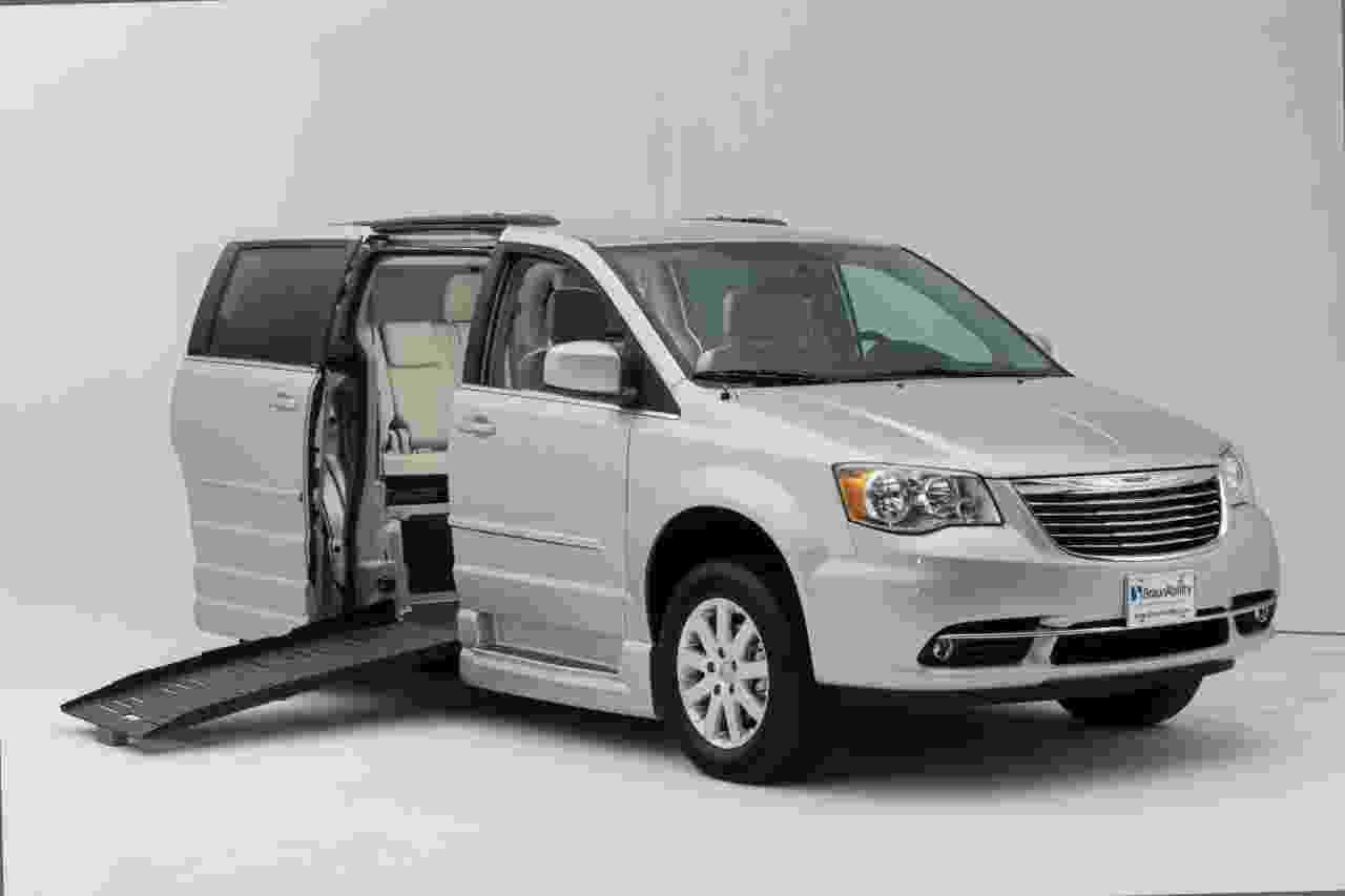 Chrysler Wheelchair Van Entervan BraunAbility
