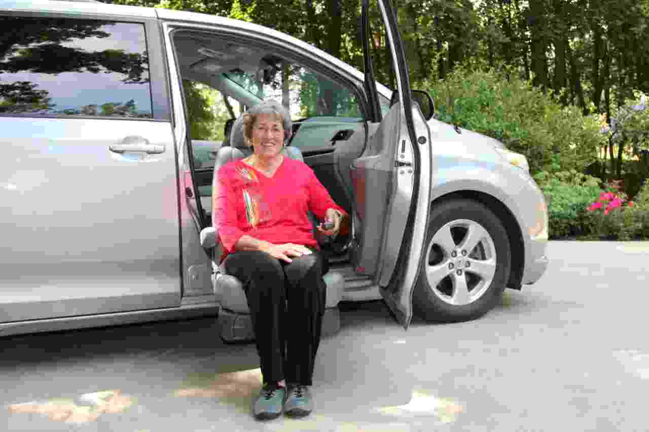 BraunAbility® Turny® Evo Rotating Seat Lift