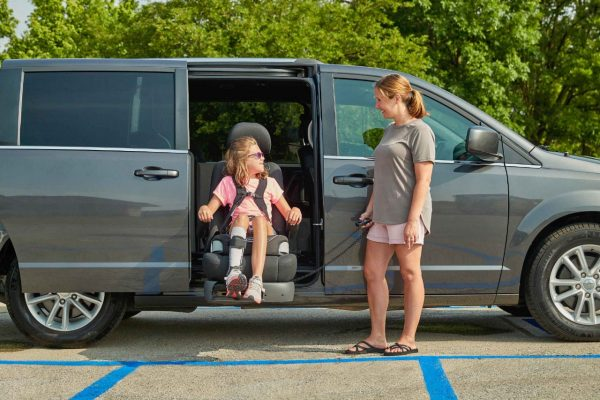 5 Tips for Wheelchair Users on Choosing a Swivel Seat for Cars