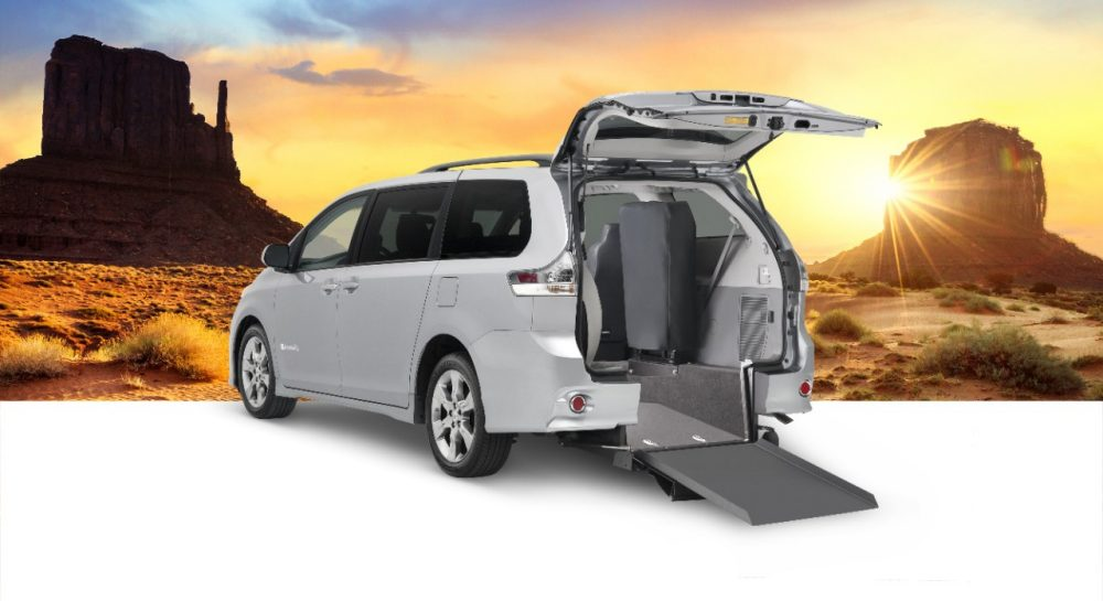 BraunAbility Rear-Entry Power Manual Ramp Toyota Sienna